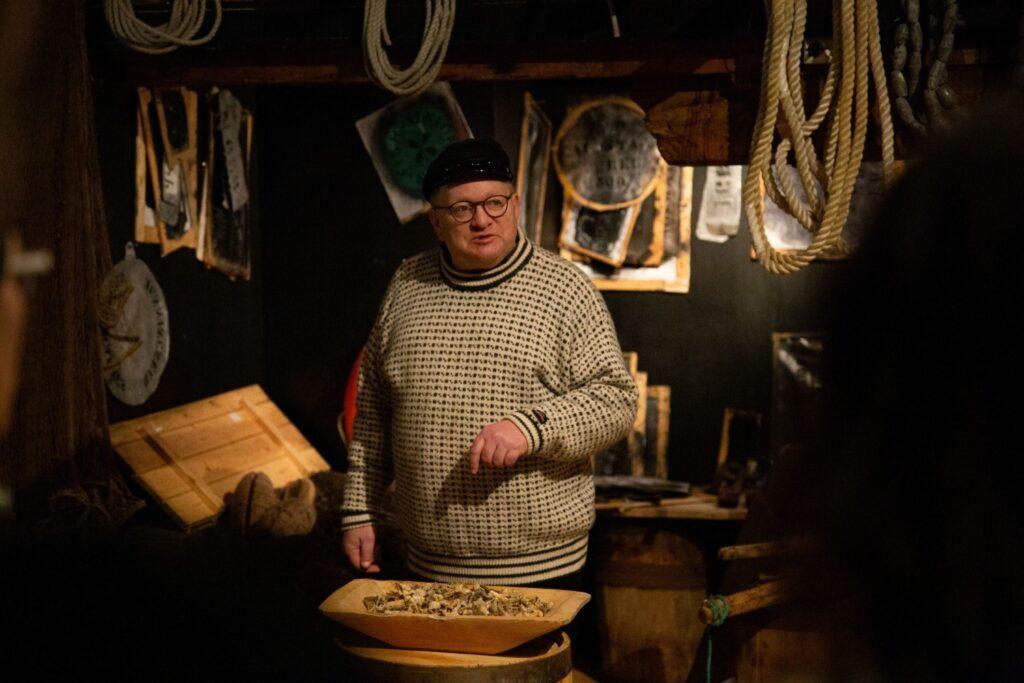 Kalle på Full Steam forteller om fiskerihistorien til Tromsø